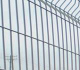 Cateva caracteristici tehnice ale gardurilor din plasa sudata dar si prezentarea catorva modele de astfel de gard