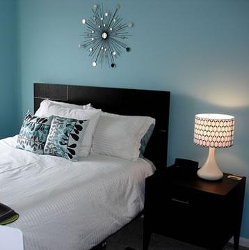 veioza alba pentru dormitor modern