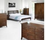Mobila wenge a devenit din ce in ce mai apreciata, iar combinatia dintre culoarea wenge si alte culori transforma dormitorul inntr-un spatiu elegant si confortabil.