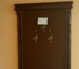 Cuierele din lemn adauga eleganta si stil incaperii in care sunt asezate.