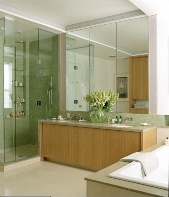 Amenajare baie cu faianta verde si mobilier de baie din lemn de fag