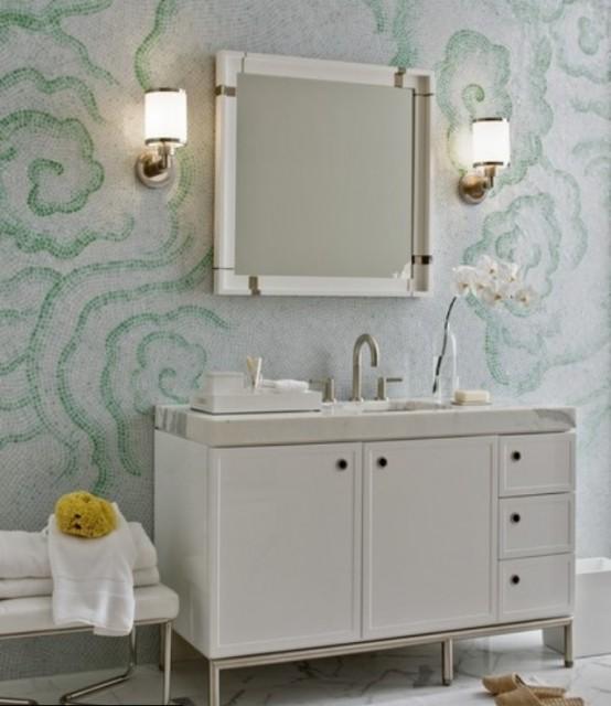 Tapet alb cu verde pentru baie